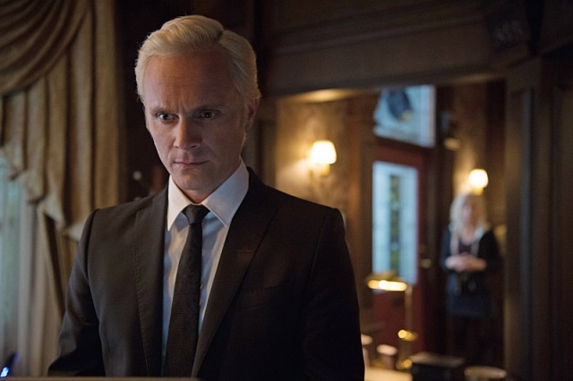 David Anders returns as Blaine Photo credit: The CW